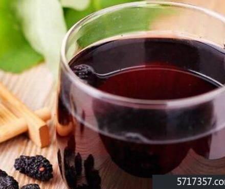 桑葚茶泡水喝的功效和作用